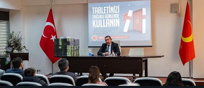 <center> Kastamonu Belediyesi'nden </center><center><font color='blue'> ÖĞRENCİLERE 100 TABLET  </font></center>