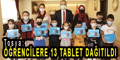 <center> Tosya: </center><center><font color='blue'> ÖĞRENCİLERE 13 TABLET DAĞITILDI </font></center>